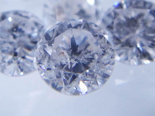 輝きのないダイヤモンド