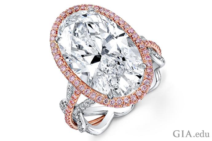 オーバルカットの婚約指輪