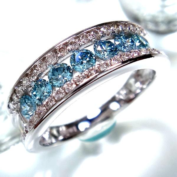 アイスブルーダイヤモンドを中心にしたエタニティリング