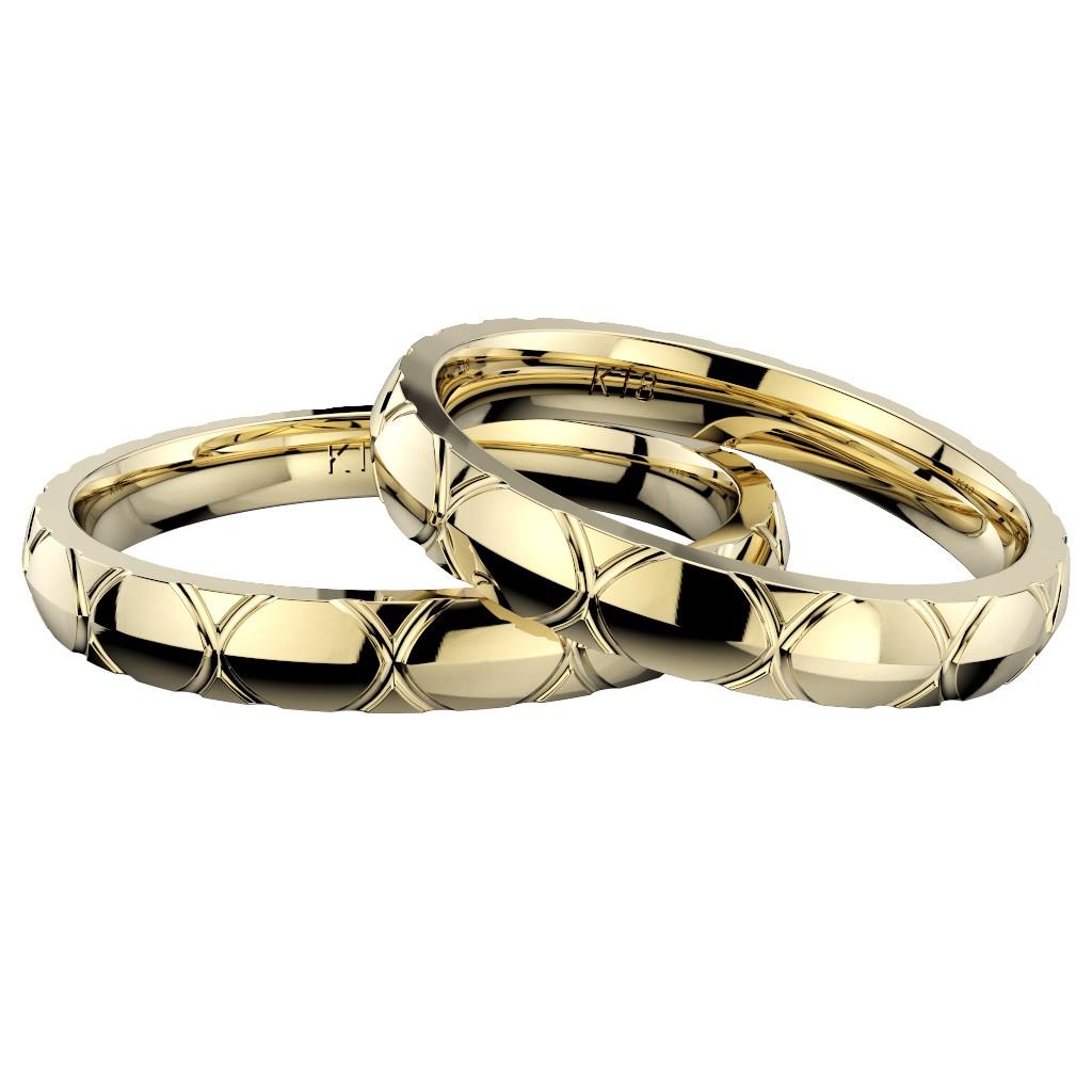 石なしシンプルで個性的な結婚指輪、2019年新作デザイン・トルテュ・ド・メール、リング素材はイエローゴールド、ペアでの重ね置き写真