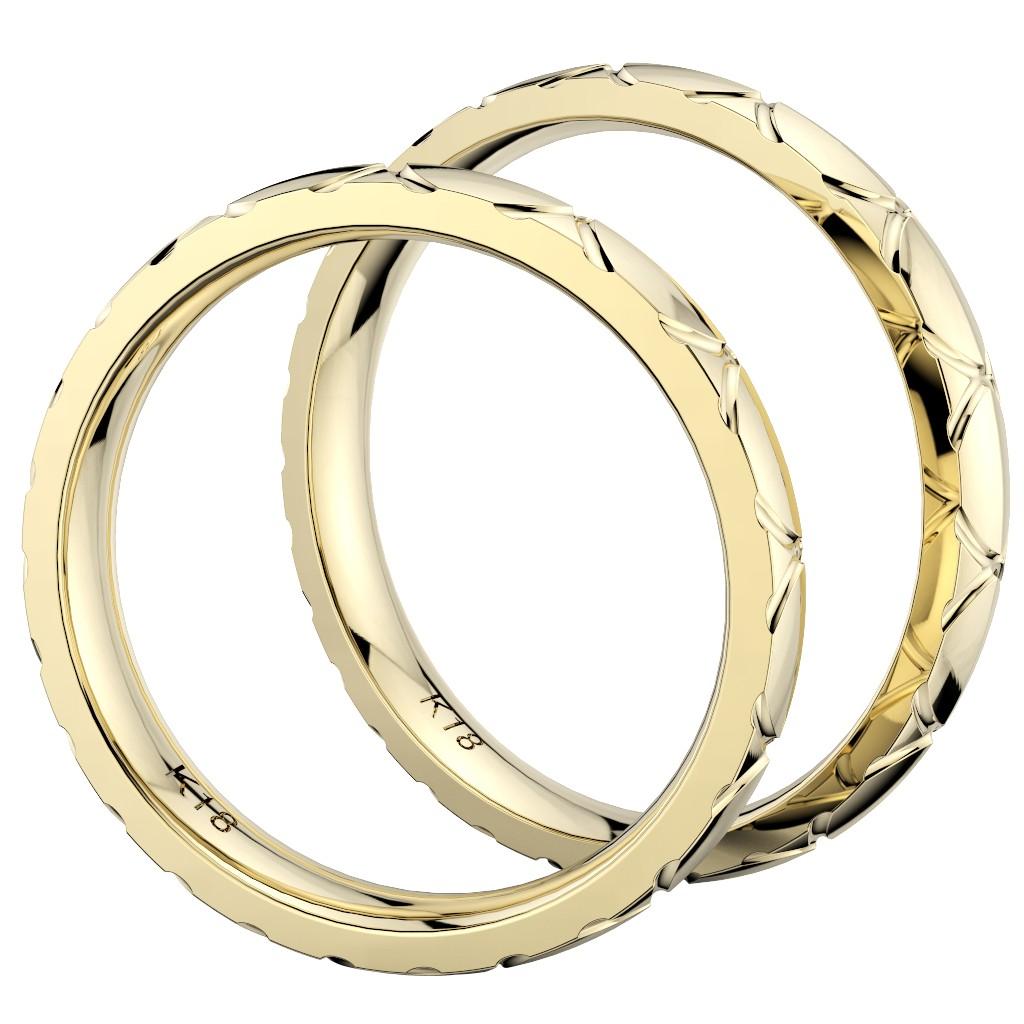 シンプルで個性的な結婚指輪、2019年新作デザイン・トルテュ・ド・メール、リング素材はイエローゴールド、ペアで縦置き真横からの写真