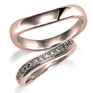 ピンクゴールドのペア結婚指輪、女性用はパヴェ風にダイヤモンド入り