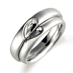 プラチナのペア結婚指輪、