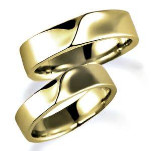 イエローゴールドのペア結婚指輪、