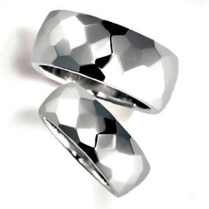 石なしプラチナのペア結婚指輪、