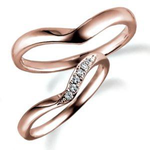ピンクゴールドのペア結婚指輪、女性用はダイヤモンド入り