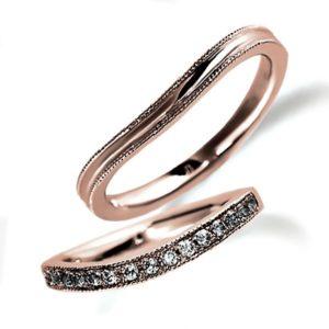 ピンクゴールドのペア結婚指輪、女性用はメレタイプでダイヤモンド入り