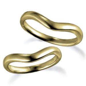 石なしイエローゴールドのペア結婚指輪、