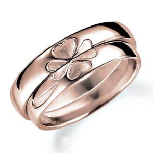 合わせるとハート(四つ葉のクローバー)になるピンクゴールドのペア結婚指輪、ペアで組み合わせるとハートマークになる