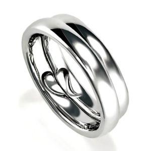 石なし合わせると合わせるとリンング内側がハートになるプラチナのペア結婚指輪、