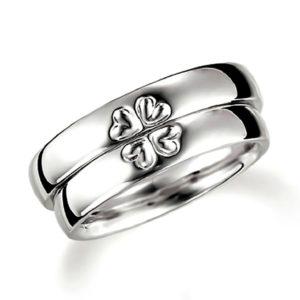 石なし合わせるとハート(四つ葉のクローバー)になるプラチナ、表面にハートデザインのペア結婚指輪、平甲丸