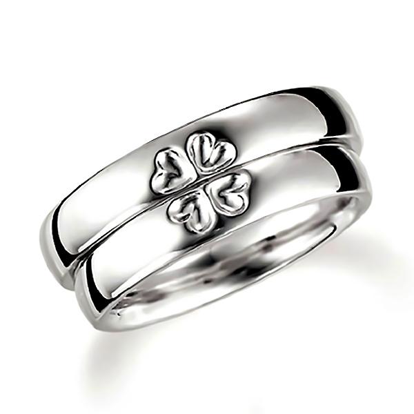 合わせるとハート(四つ葉のクローバー)になるプラチナ、表面にハートデザインのペア結婚指輪、平甲丸
