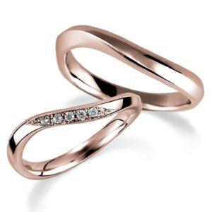 ピンクゴールドのペア結婚指輪、ウエーブデザイン。女性用のみダイヤモンド入り