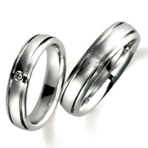 プラチナのペア結婚指輪、平甲丸、女性用のみダイヤモンド入り