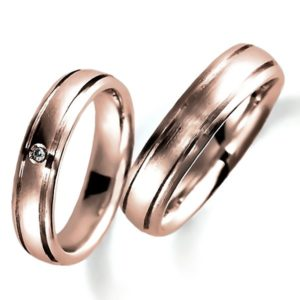 ピンクゴールドのペア結婚指輪、平甲丸、女性用のみダイヤモンド入り