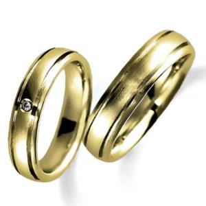 イエローゴールドのペア結婚指輪、平甲丸、女性用のみダイヤモンド入り