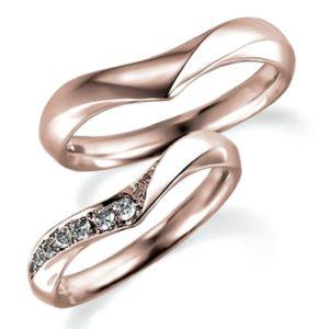 ピンクゴールドのペア結婚指輪、V字アーム、女性用はダイヤモンド入り