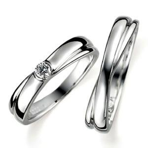 プラチナのペア結婚指輪、抱き合わせアームデザイン、女性用はダイヤモンド入り