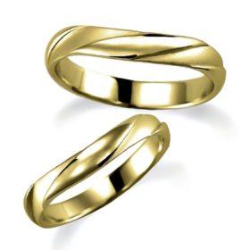 石なしイエローゴールドのペア結婚指輪、説明のつなかい特殊な形