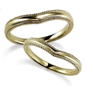 石なしイエローゴールドのハート型、ペア結婚指輪、全体にミルうち加工