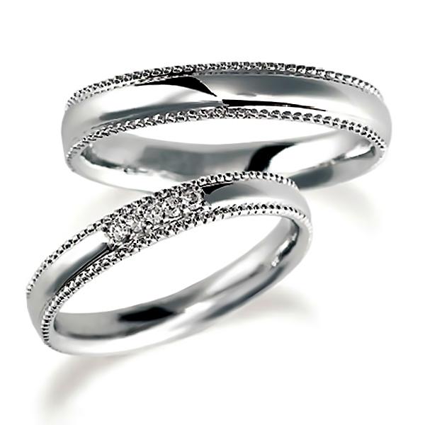 プラチナのペア結婚指輪・甲丸リング、ダイヤ4個入とシンプル、ミルうち加工