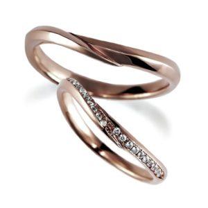 ピンクゴールドのペア結婚指輪・ウエーブ、メレタイプとシンプル