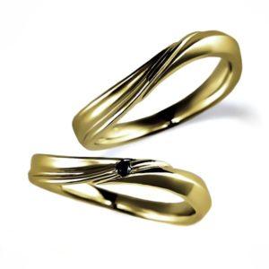 イエローゴールドのペア結婚指輪・ウエーブ