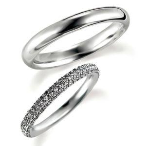 プラチナのペア結婚指輪・甲丸リングとエタニティリング