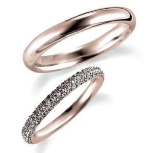 ピンクゴールドのペア結婚指輪・甲丸リングとエタニティリング