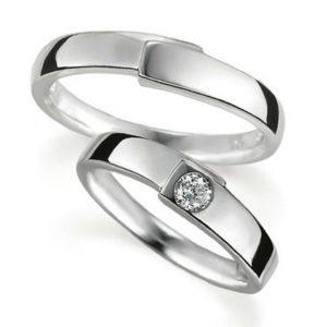 プラチナのペア結婚指輪・甲丸リング