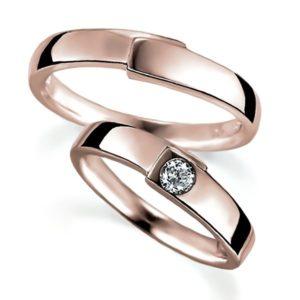 ピンクゴールドのペア結婚指輪・甲丸リング