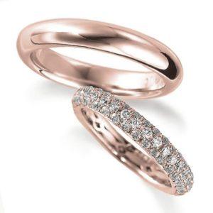 ピンクゴールドのペア結婚指輪・エタニティリングと甲丸リング