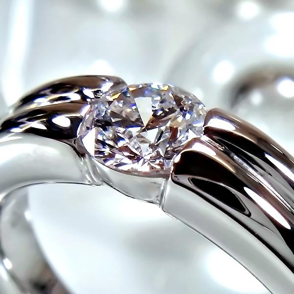 爪なしの婚約指輪(エンゲージリング)